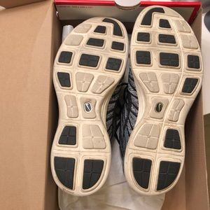 Nike Shoes - Nike Flyknit Chukka